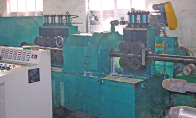 Features of XF-WXC150B type of centerless lathe